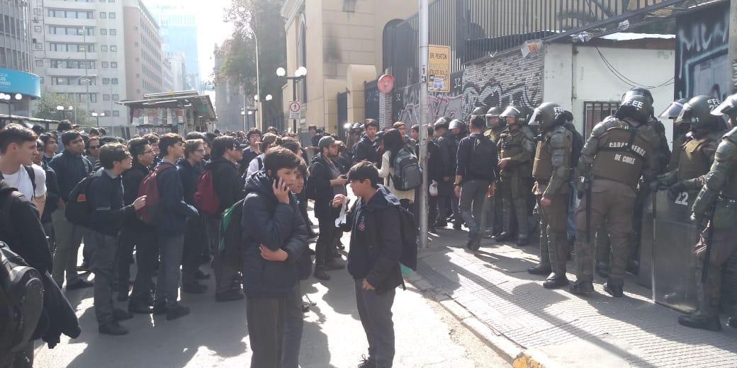 Rechazo de Apoderados organizados por la intervención Policial en Liceos Públicos 20-08-19